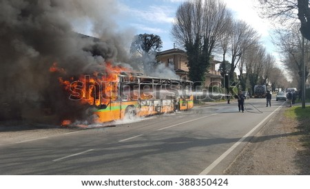 Mariano Comense ( Italy ) 03/09/2016: a line bus burning after a breakdown  during a normal travel. Fire destroyed it all but all passengers were safe.