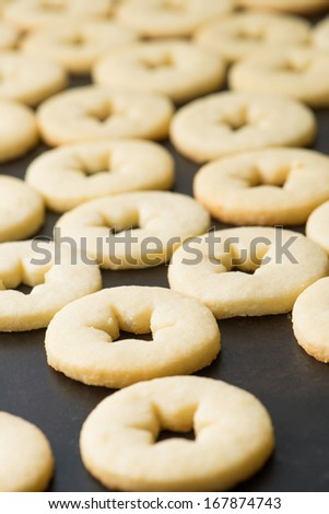 Marmalade cookies on a tray
