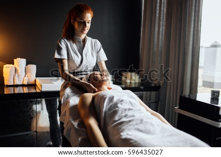 what is a masseuse therapist