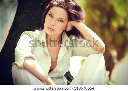 east claridon single mature ladies Sensual mothers: mature sara, uk sara, sara, voyeur, shoe dangling, milf pantyhose, milf outside.