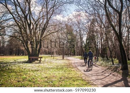 Mature natural riding