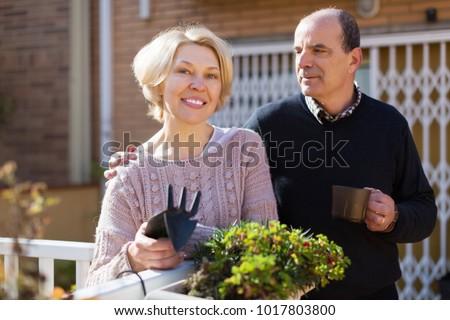 Mature neighbor