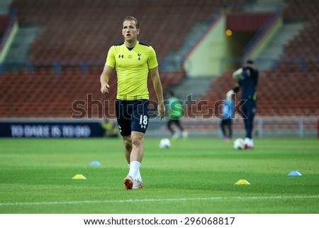 May 27, 2015 - Shah Alam, Malaysia: Tottenham Hotspur's top striker Harry Kane warms up on the pitch before a friendly match in Malaysia. Tottenham Hotspur is on a Asia-Australia tour.