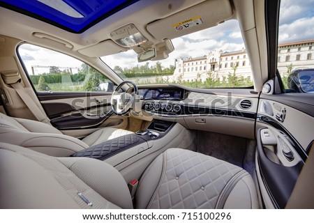 Maybach 2017 Mercedes Benz Interior Instrument Panel 2017 06 September  Moldova