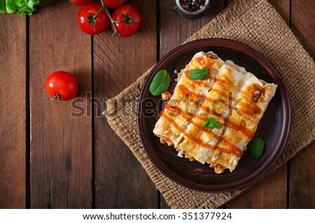 Meat cannelloni sauce bechamel. Top view