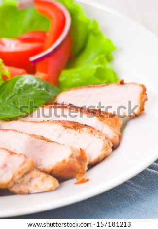 meat with vegetable salad