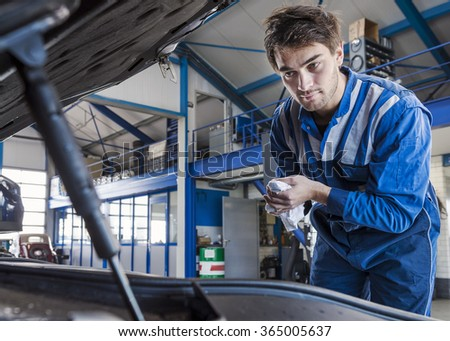 Diesel Mechanic Images RoyaltyFree Images Vectors – Machine Mechanic