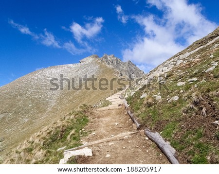 Meran, Italy: South Tyrol walking into the landscape of Alps Sarentine
