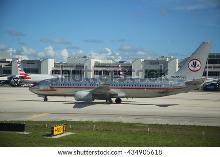 MIAMI, FLORIDA - JUNE 1, 2016: American Airlines Boeing 737 in the 1962 Astrojet retrojet scheme lines on tarmac at Miami International Airport.