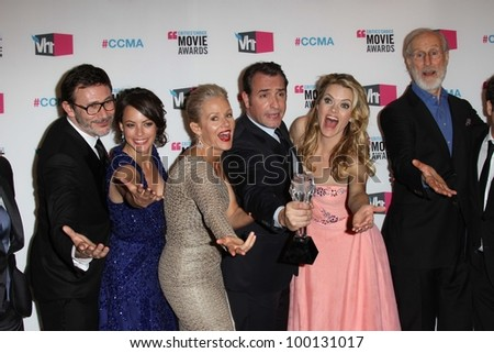 Michel Hazanavicius, Berenice Bejo, Penelope Ann Miller, Jean Dujardin, Missi Pyle, James Cromwell at the 17th Annual Critics' Choice Movie Awards, Palladium, Hollywood, CA  01-12-12