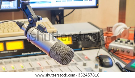 Microphone,