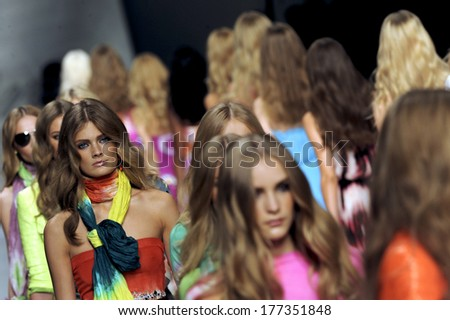 MILAN, ITALY-SEPTEMBER 25, 2009: Models runway catwalk during the Blumarine spring-summer fashion collection. - stock photo