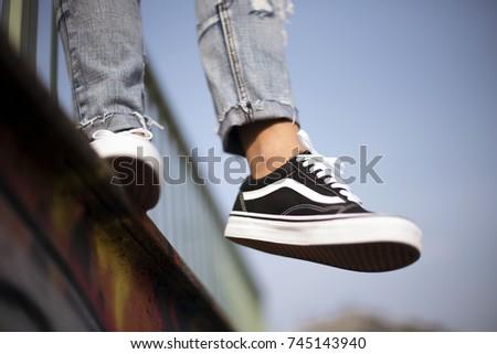 e69ca7f4be3f55 Buy cheap mens vans shoes