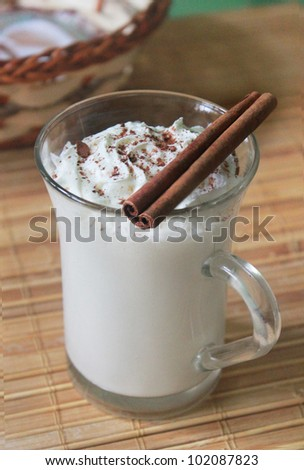 milkshake with cinnamon