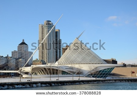 MILWAUKEE, WI - FEBRUARY 12 2016: Milwaukee Art Museum and Downtown Skyline