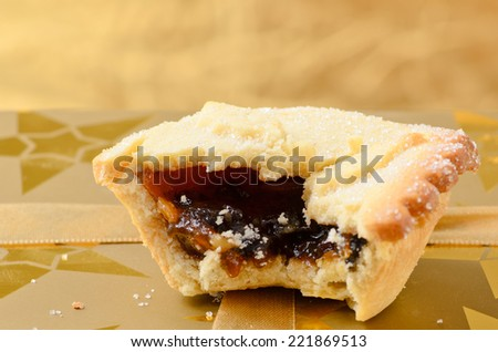 Mince pie, a traditional christmas sweet.