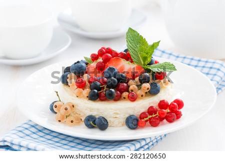 mini cheesecake with fresh berries, close-up - stock photo