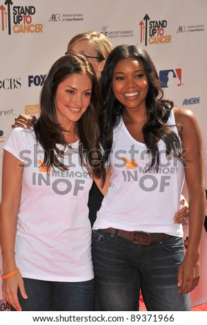 Minka Kelly & Gabrielle Union (right) at the Stand Up To Cancer event at Sony Pictures Studios, Culver City. September 10, 2010  Culver City, CA Picture: Paul Smith / Featureflash