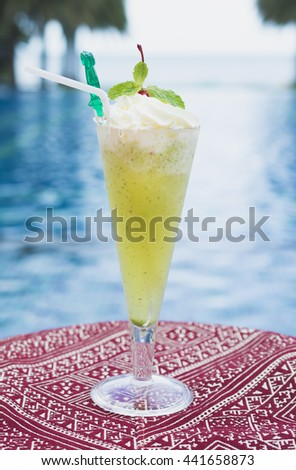 mint and apple mojito mocktail