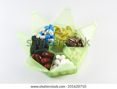 Mix Medicine and Vitamin in Container