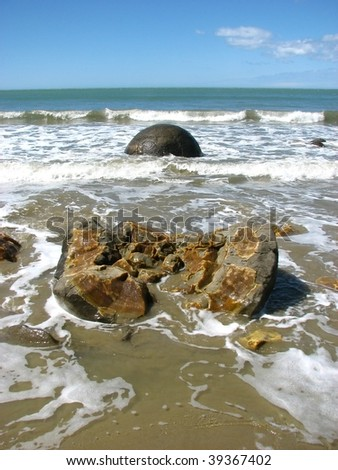 Moeraki Boulders in Otago, South Island. Pacific coast. New Zealand