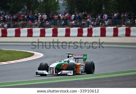MONTMELO, SPAIN - MAY 10: Force India participates in the Spanish Grand Prix on May 10, 2009 in Montmelo, Spain.  Both drivers crashed and did not finish the race.