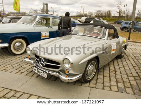 MOSCOW - APRIL 21: mercedes benz on rally of classical cars on Poklonnaya hill,  April 21, 2013, in town Moscow, Russia.