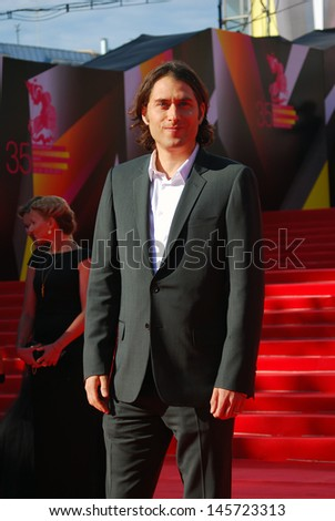 MOSCOW - JUNE 20: Jeremy Kleiner, an american film producer, at XXXV Moscow International Film Festival red carpet opening. He presents his recent movie World War Z. Taken on June 20, 2013 in Moscow.