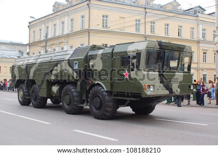"""MOSCOW-MAY 9: Operational-tactical missile system """"ISKANDER-M""""  at the Victory Day Parade on May 9, 2012 in Moscow - stock photo"""
