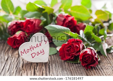 mothers day card with roses and heart shape