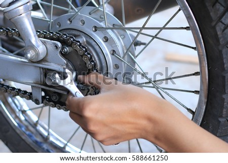 motorcycle repaire by Technicians