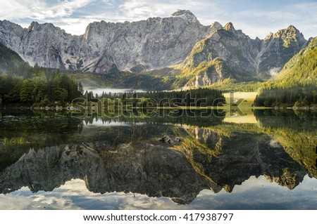 mountain,alpine lake