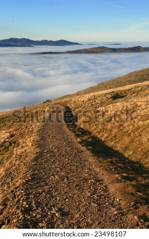 Mountain path and temperature inversion in the English Lake District