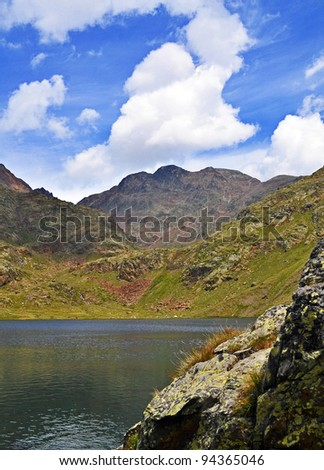 mountains and lake of the Catalan Pirineo