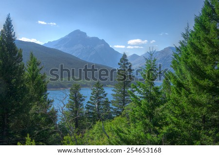 MT-Glacier National Park-lake surrounded by mountains