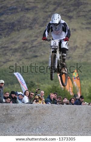 MTB World Cup 2006 at Fort William Scotland - Downhill Final Rider 24 Neil Donogue - stock photo