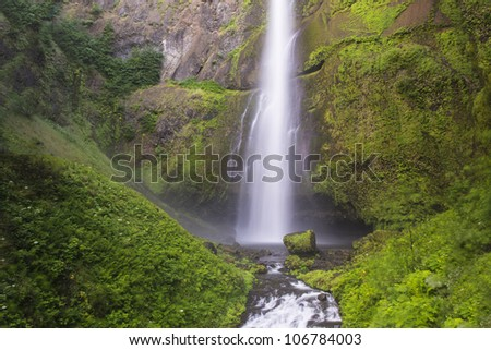 Multnomah Falls, Columbia River Gorge, water blurred in motion