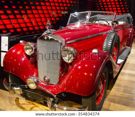 MUNICH,GERMANY-DECEMBER 20:oldtimer Mercedes-Benz(1937) at the Mercedes-Benz showroom at Odeonsplatz on December 20,2015 in Munich,Germany.Many tourists visit this showroom in the downtown of Munich.