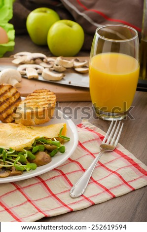 Mushroom and Microgreen Omelet - eat clean and healthy, bio, organic food, baked toast