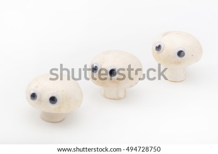 Mushroom,eyeball, look around restlessly