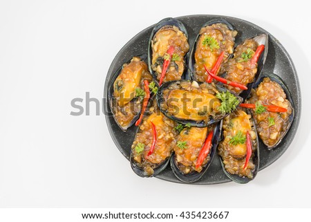 Mussel in the bowl with oyster sauce