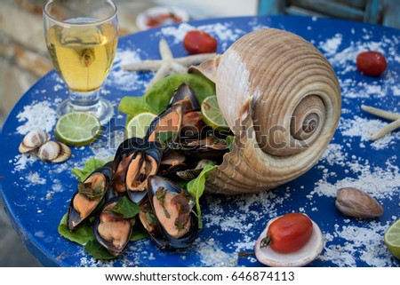 mussels in a shell