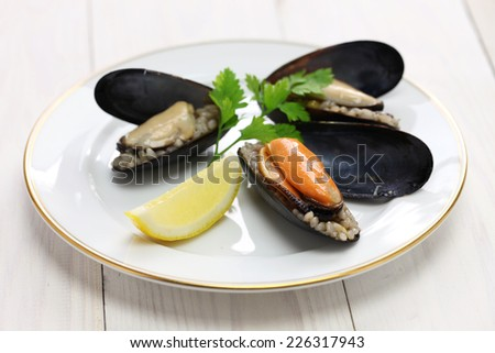 mydye dolmasi, stuffed mussels, turkish food