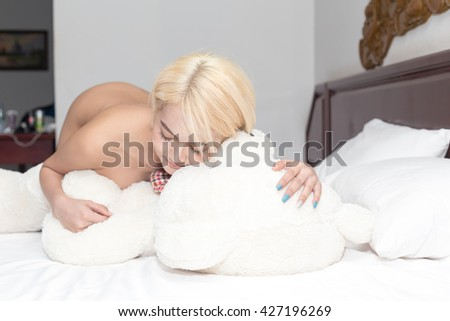 Naked women with teddy bear, teen sexy sister photo