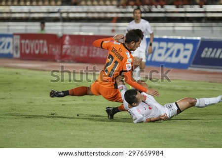 NAKHONRATCHASIMA THAILAND-JULY 18:Sathaporn Dof Nakhon Ratchasima FC in action during the Thai Premier League Bangkok UtdFC and Nakhon Ratchasima FCat 80th Birthday Stadium on July18,2015 in Thailand.