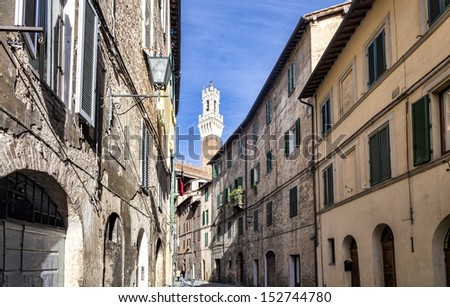 Narrow medieval streets in Siena, Italy
