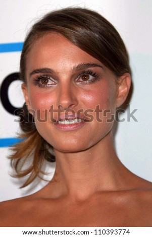 Natalie Portman at The 22nd Annual American Cinematheque Awards honoring Julia Roberts. Beverly Hilton Hotel, Beverly Hills, CA. 10-12-07 - stock photo