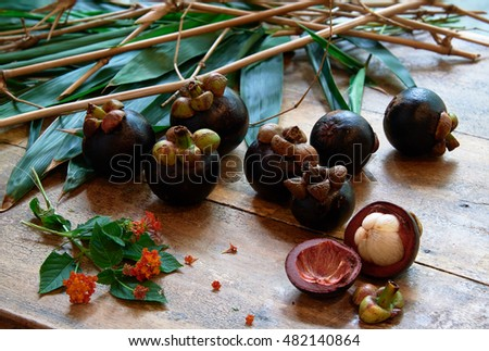 Nature morte with mangosteens