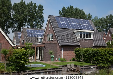 new family building wth solar panels
