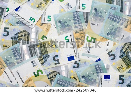 New five euro banknotes from the Europe series - stock photo